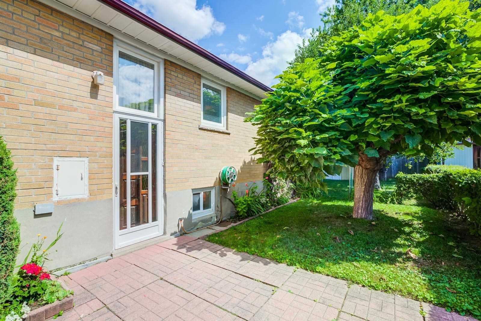 447 Renforth Dr, Toronto W4562483