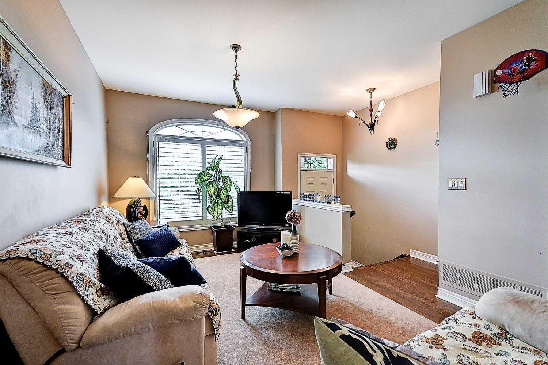 457 Royal York Rd, Toronto W4563438