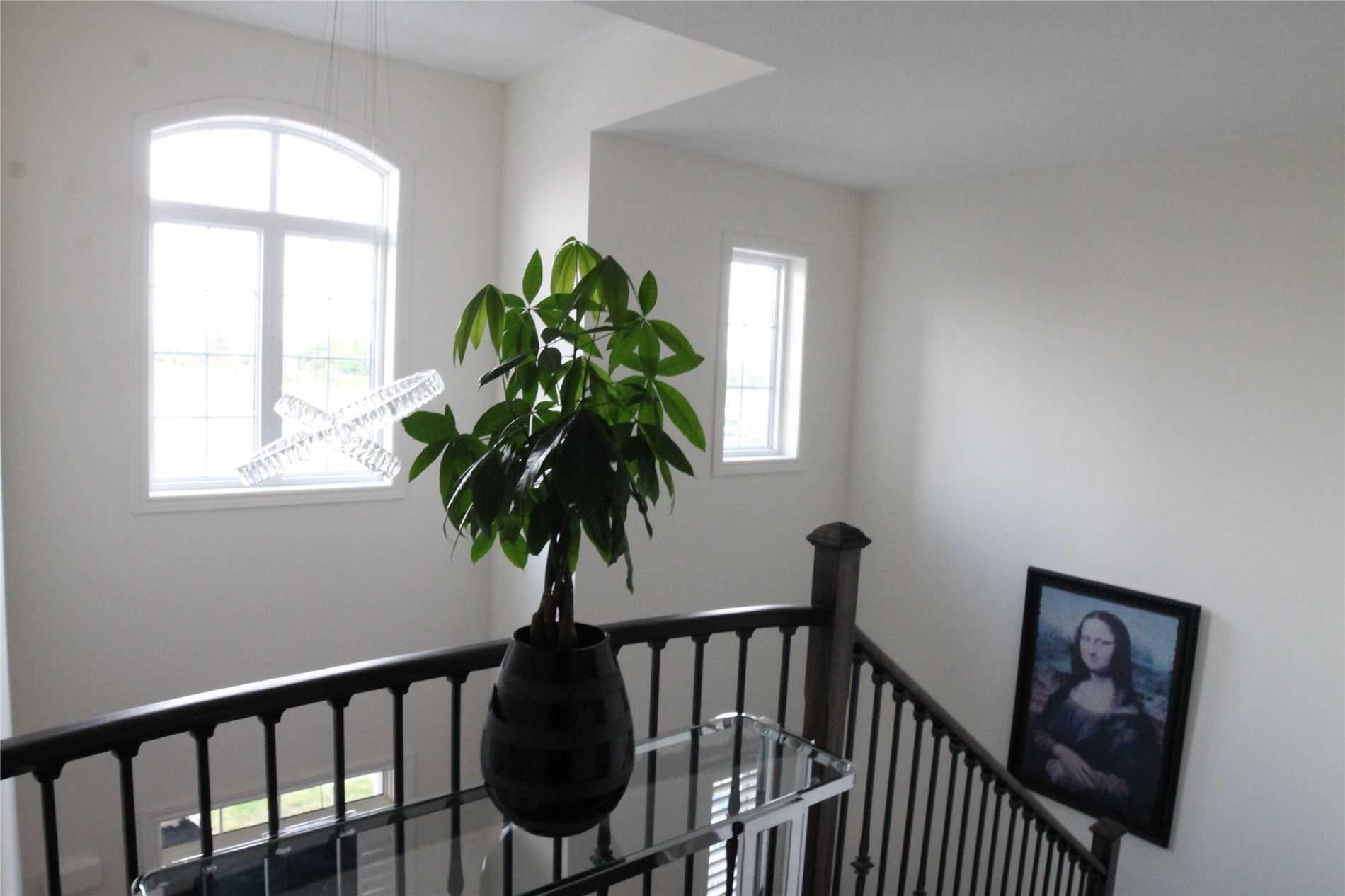 461 Silver Maple Rd, Oakville W4564726