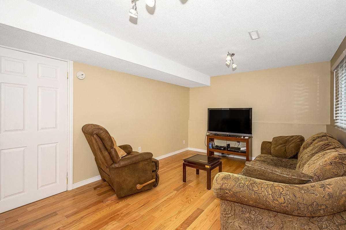 515 Marcellus Ave, Milton W4571696