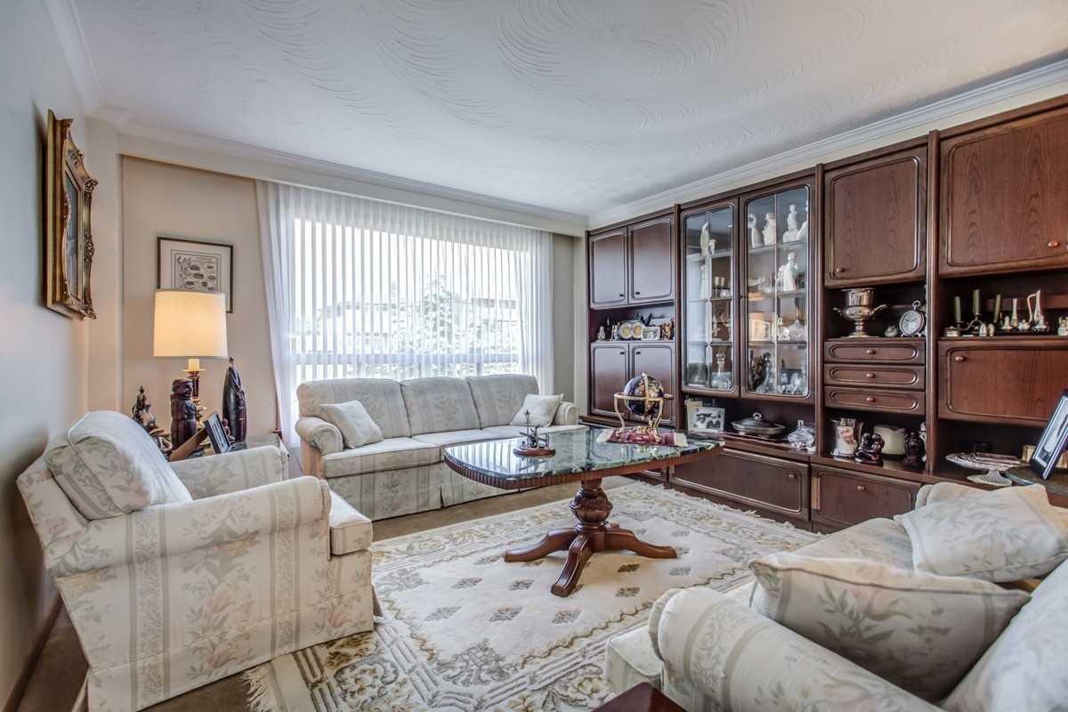 48 Ianhall Rd, Toronto W4573037