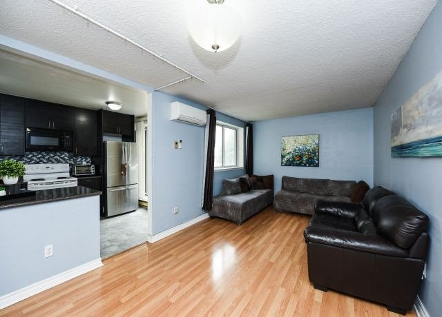 #116 - 2170 Bromsgrove  Rd, Mississauga W4573494