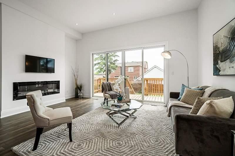 661 Oxford St, Toronto W4574311