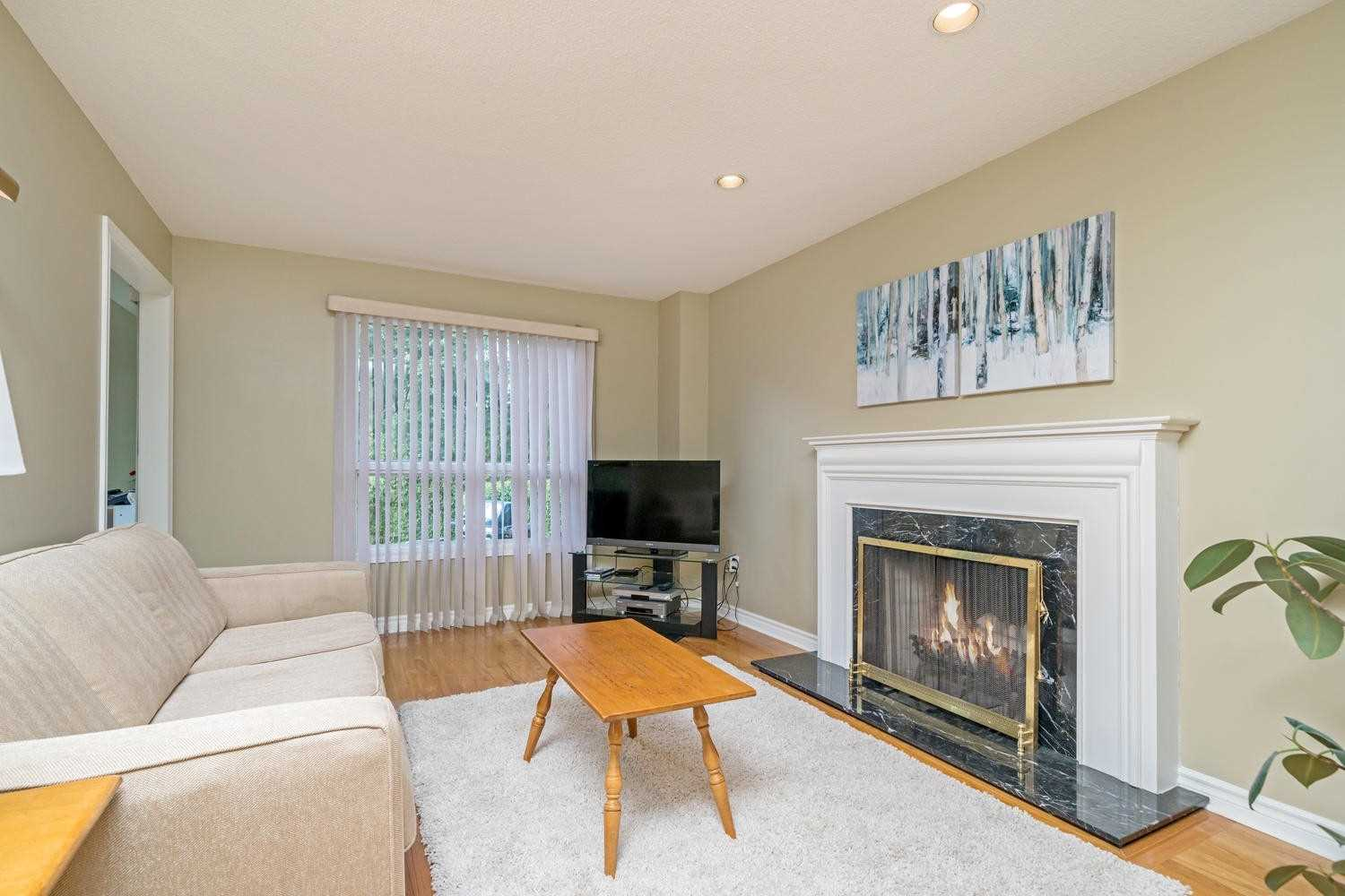 2116 Pineview Dr, Oakville W4575536