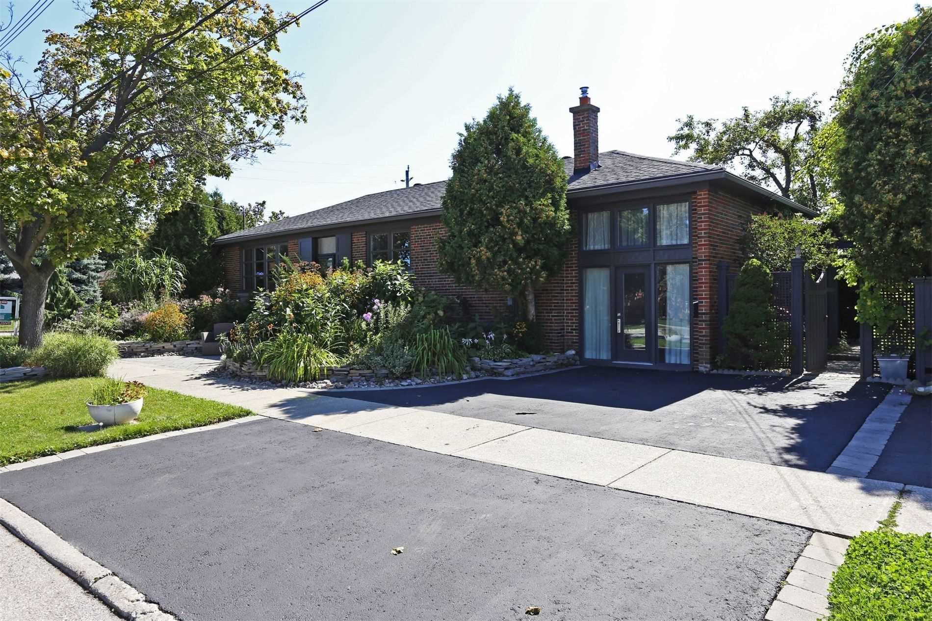 5 Fenley Dr, Toronto W4580723
