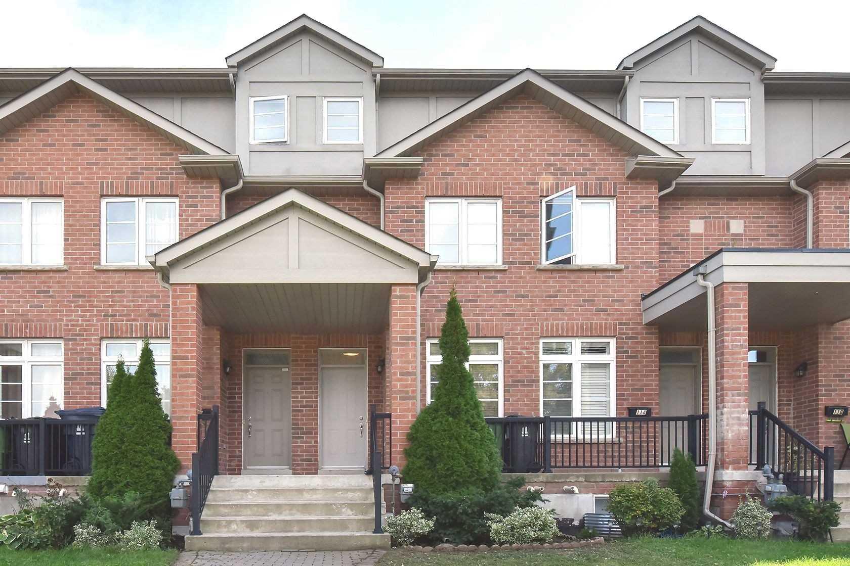 9D Hobden Pl, Toronto W4582091