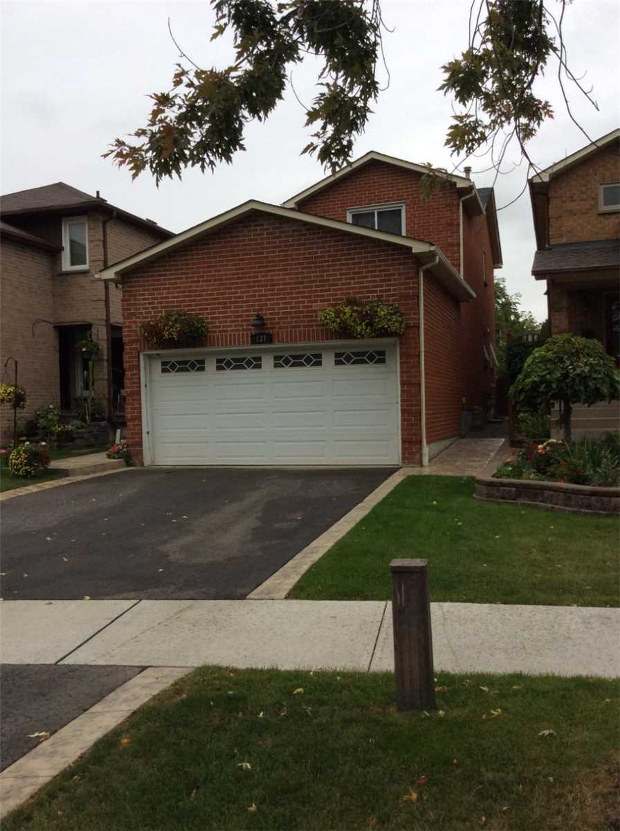 137 Surbray Grve, Mississauga W4582421