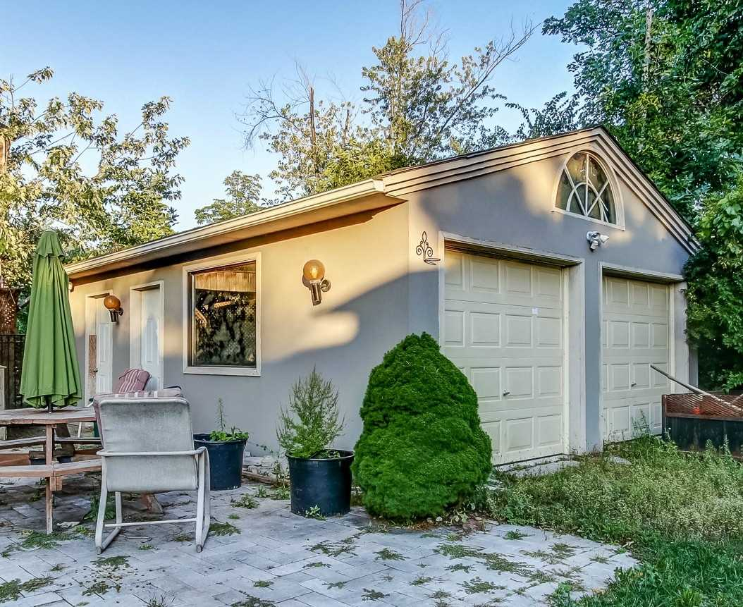 927 Southdown  Rd, Mississauga W4582474