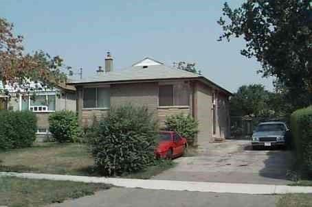 8 Lachine Crt, Toronto W4583321