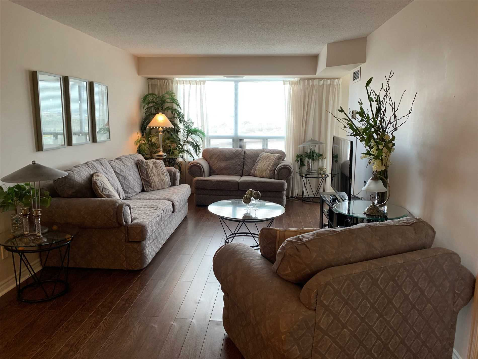 #1406 - 35 Kingsbridge Garden Circ, Mississauga W4588097