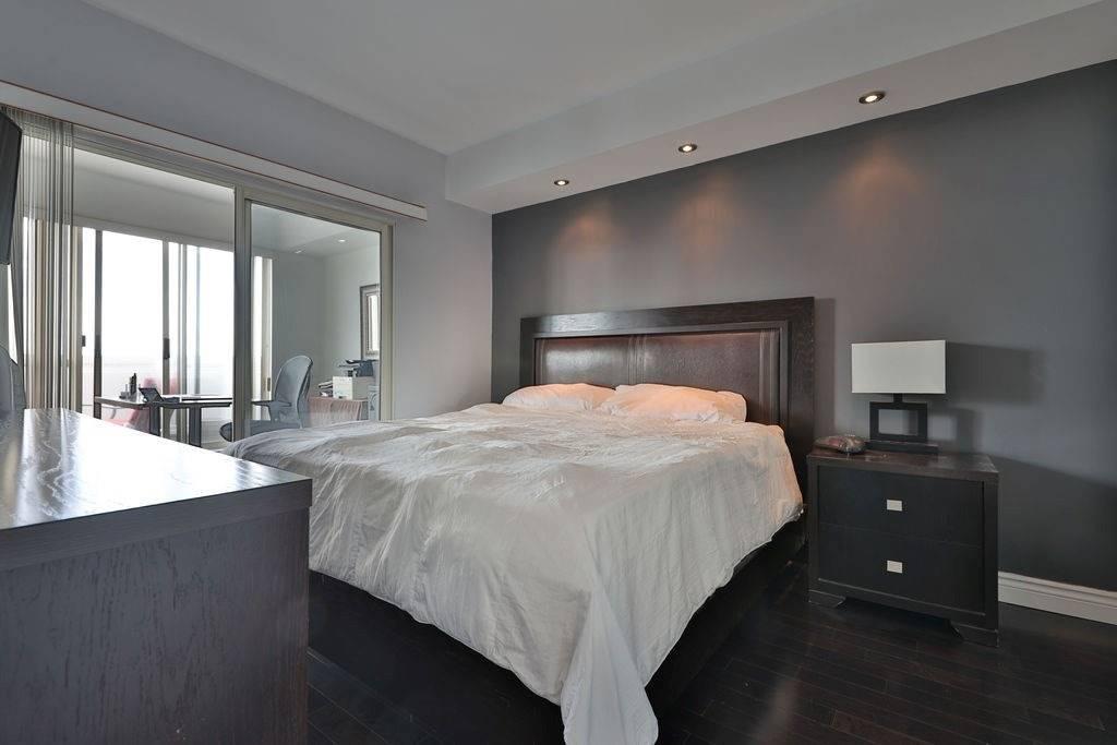 #Nph 9 - 2261 Lake Shore Blvd W, Toronto W4595374