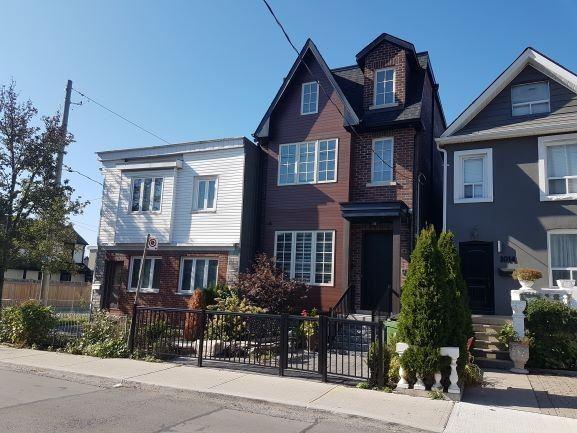 1012 Shaw St, Toronto W4600975