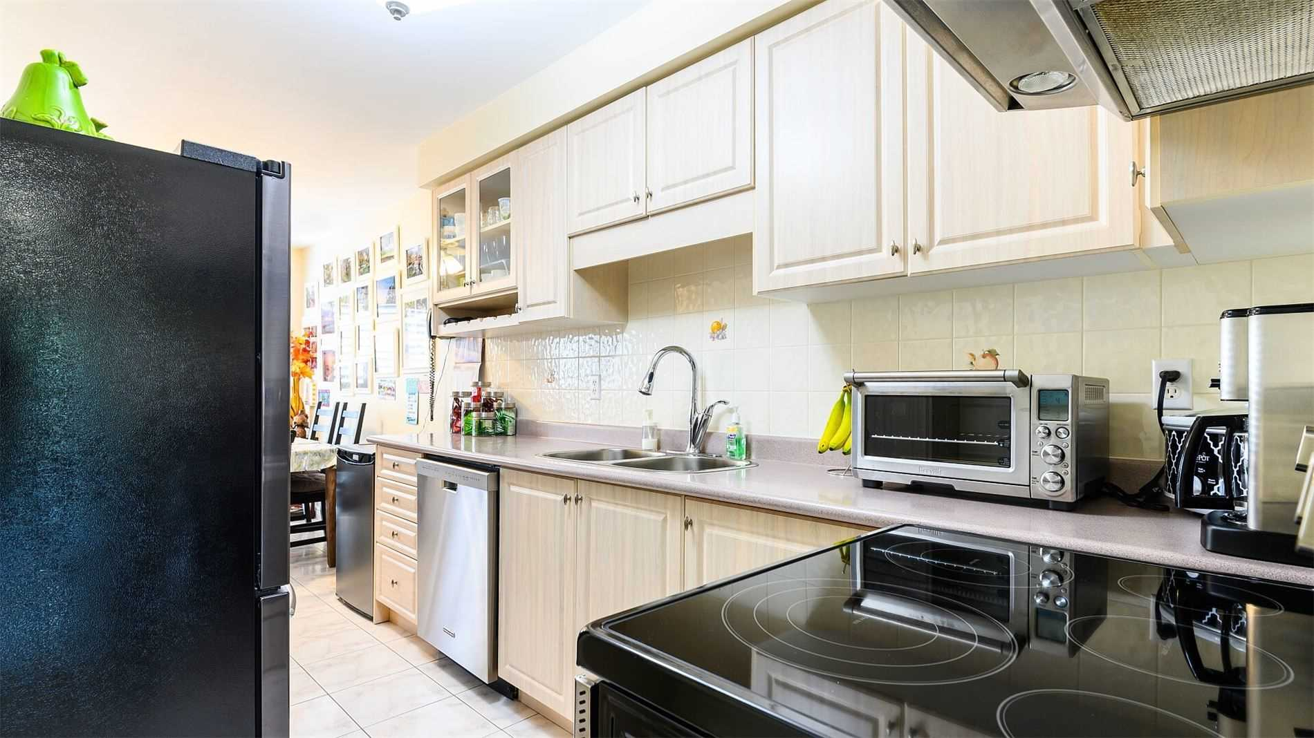 716 Four Winds Way, Mississauga W4602379