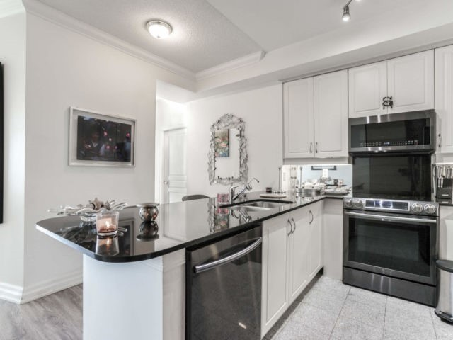 #1004 - 2087 Lake Shore Blvd W, Toronto W4604221