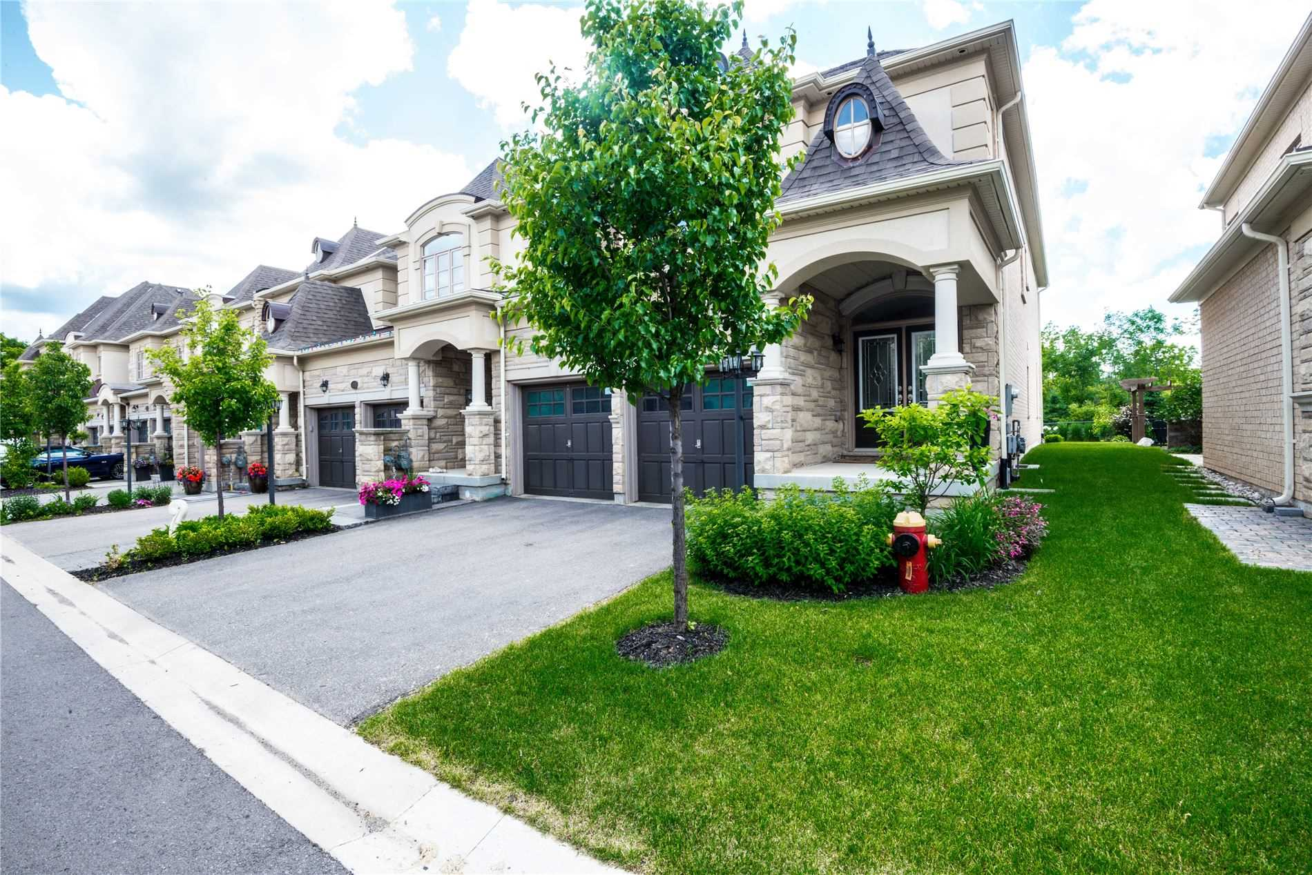 2434 Chateau Common Crt, Oakville W4604810