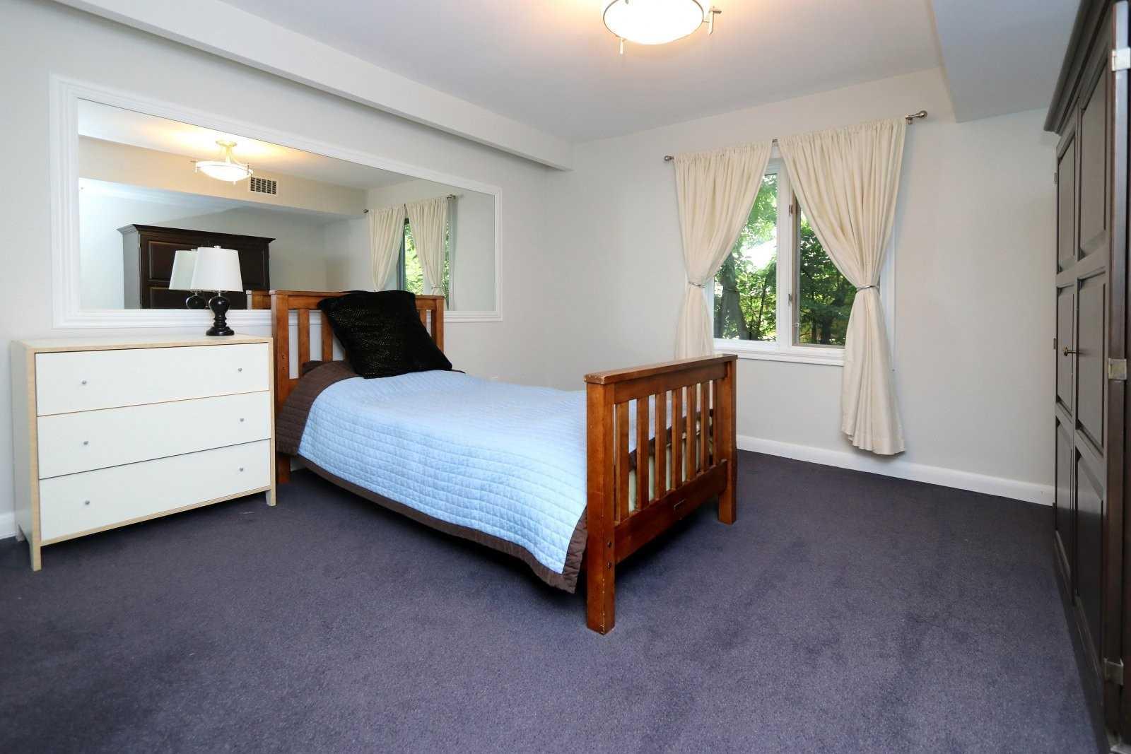 1560 Stavebank Rd, Mississauga W4606733