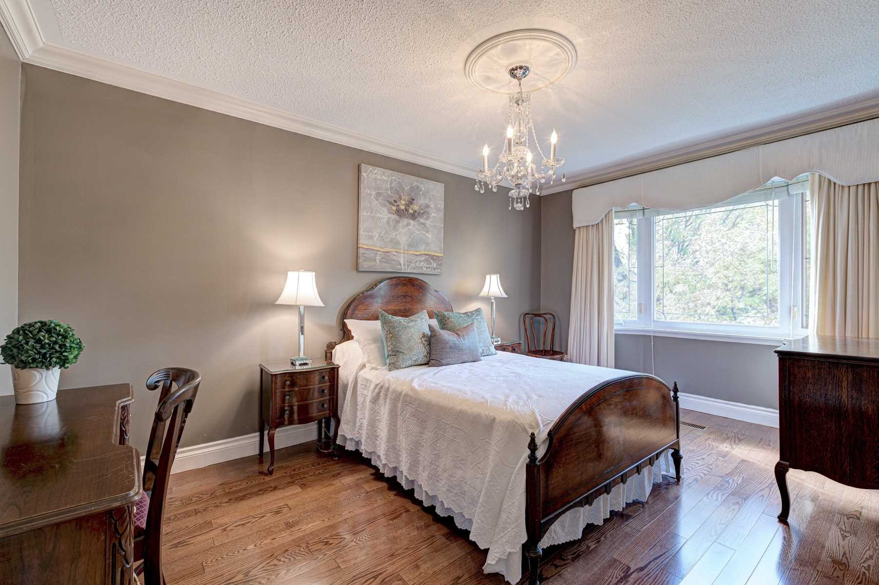 2329 Credit Valley Rd, Mississauga W4619522