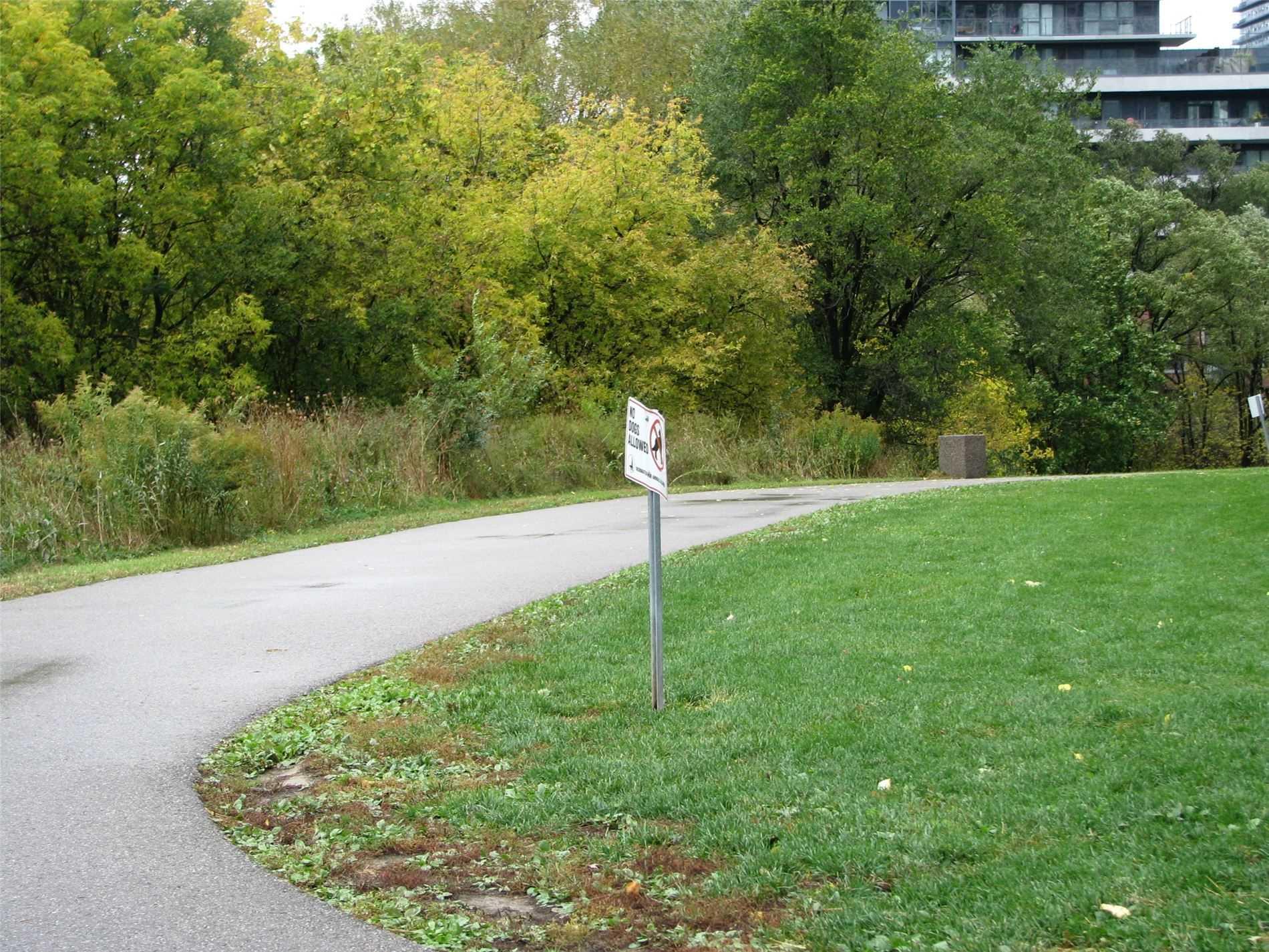 #2002 - 15 Legion Rd, Toronto W4620374
