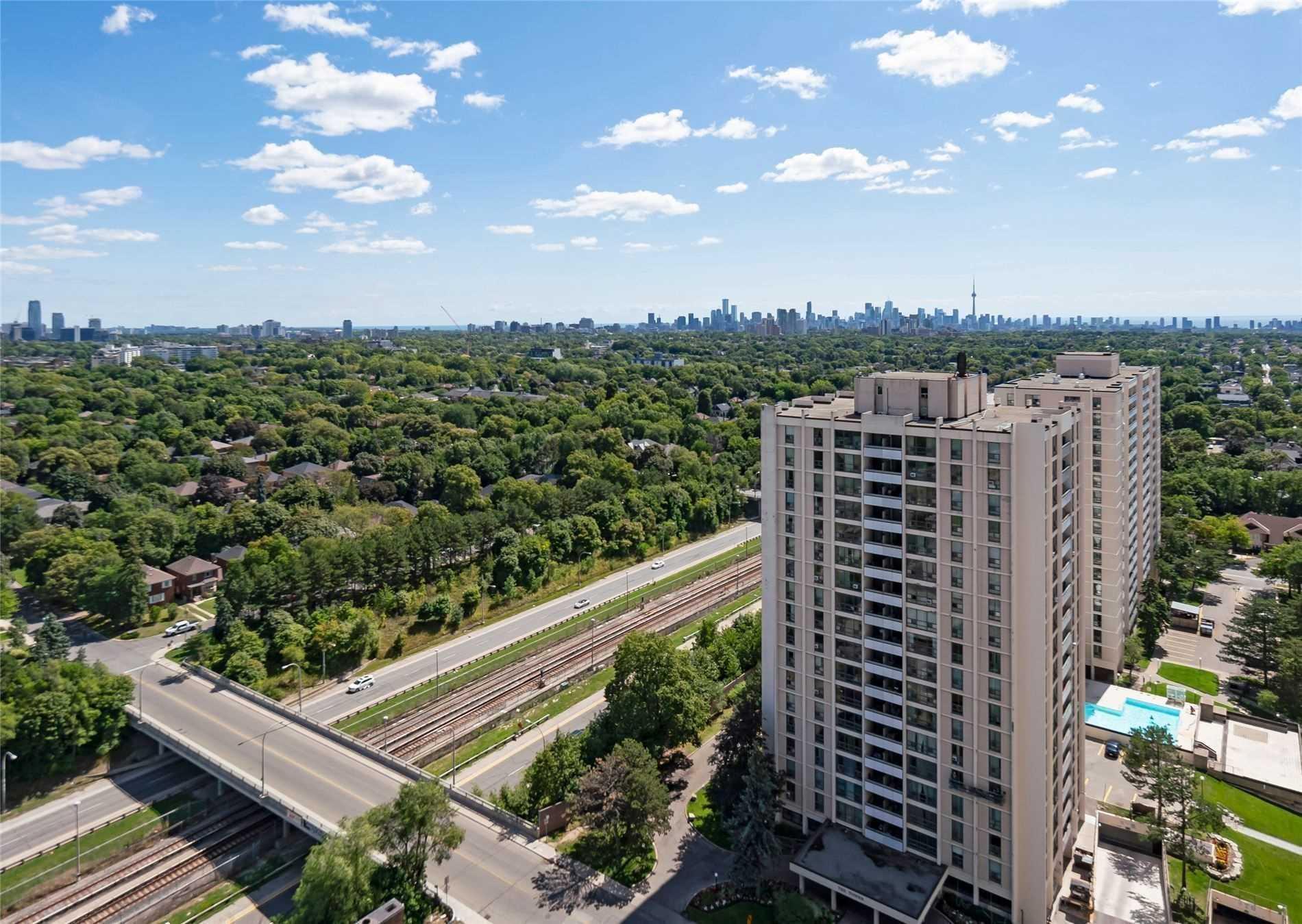 #402 - 360 Ridelle Ave, Toronto W4621133