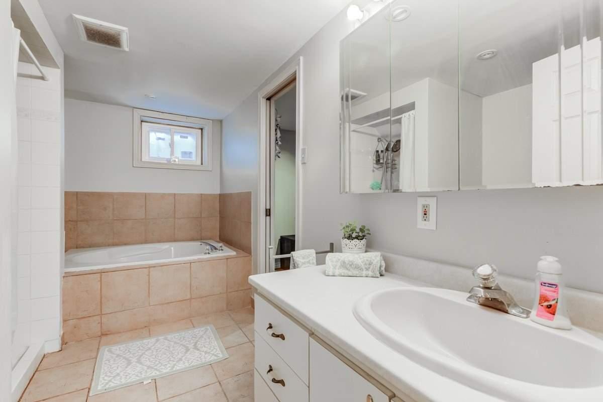 2610A Lake Shore Blvd W, Toronto W4621659