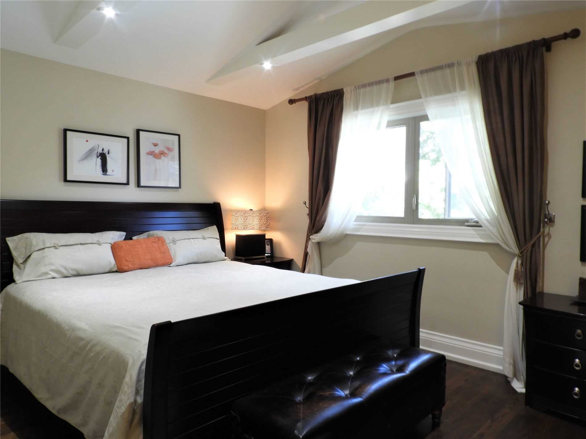 1051 Orcades Cres, Mississauga W4626596