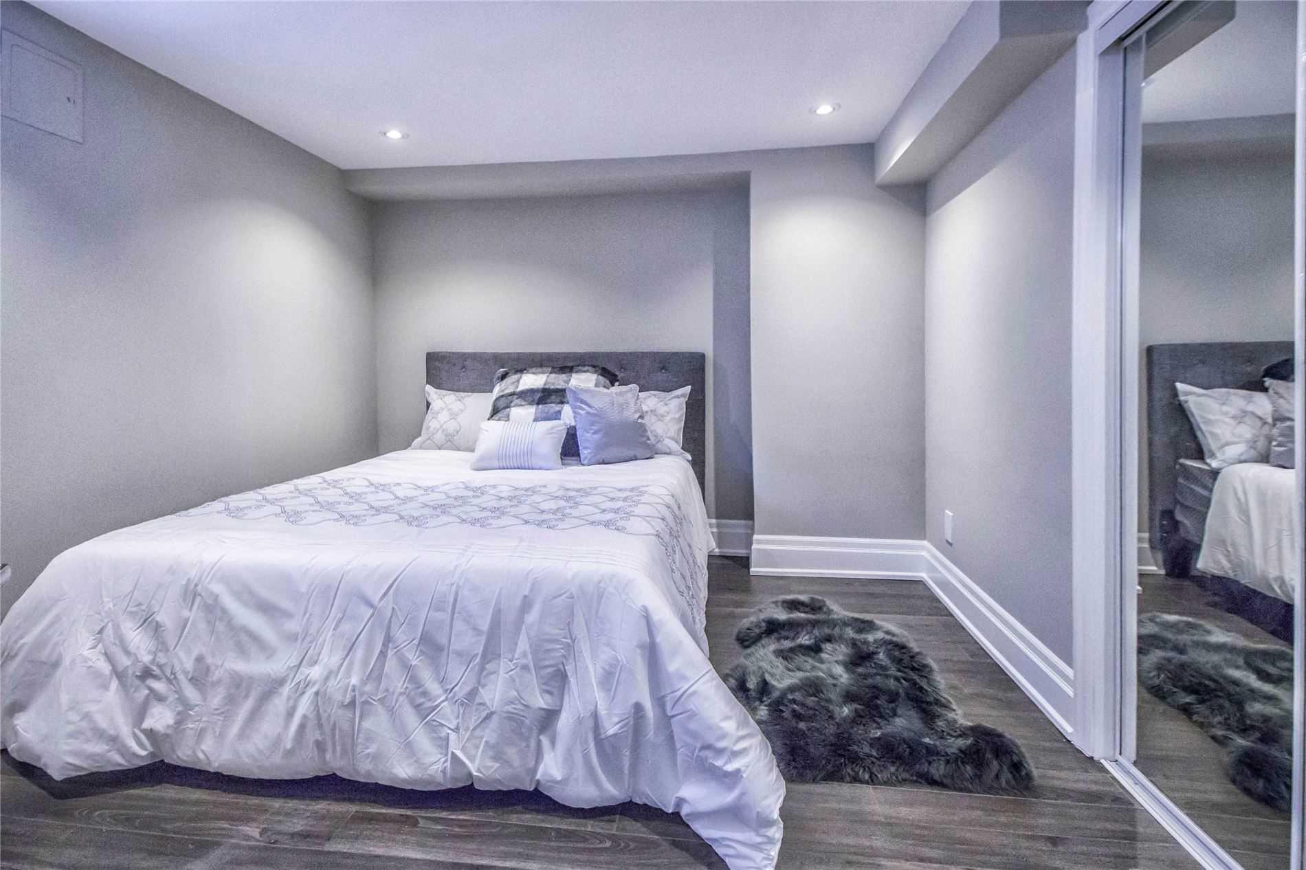 4 Greenmount Rd, Toronto W4628251