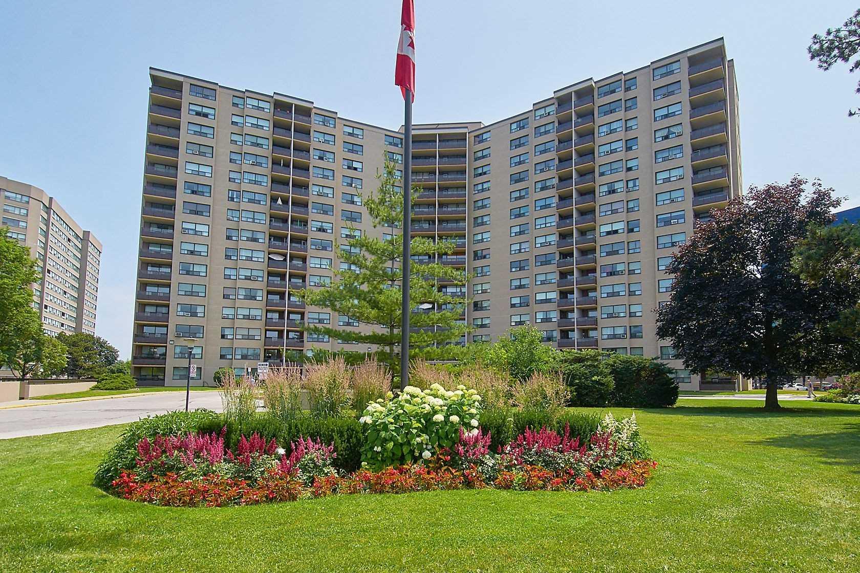 814 - 451 The West Mall, Toronto, M9C1G1