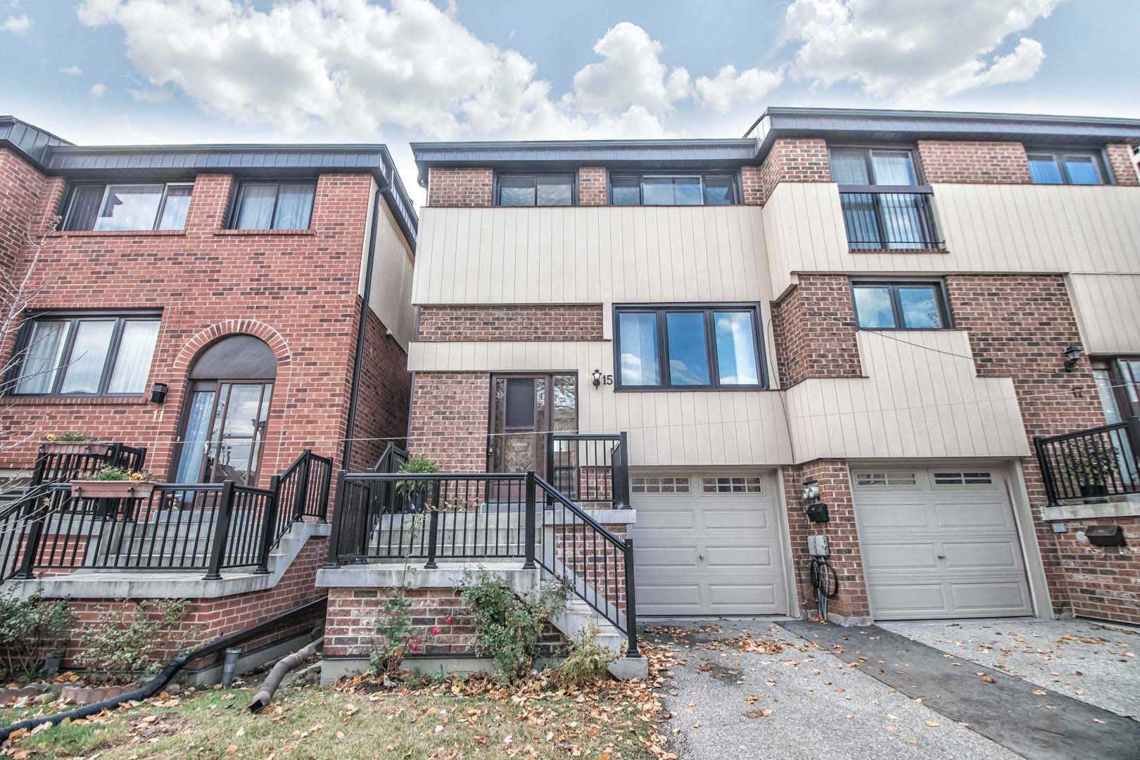 15 Peach Tree Path, Toronto W4629396