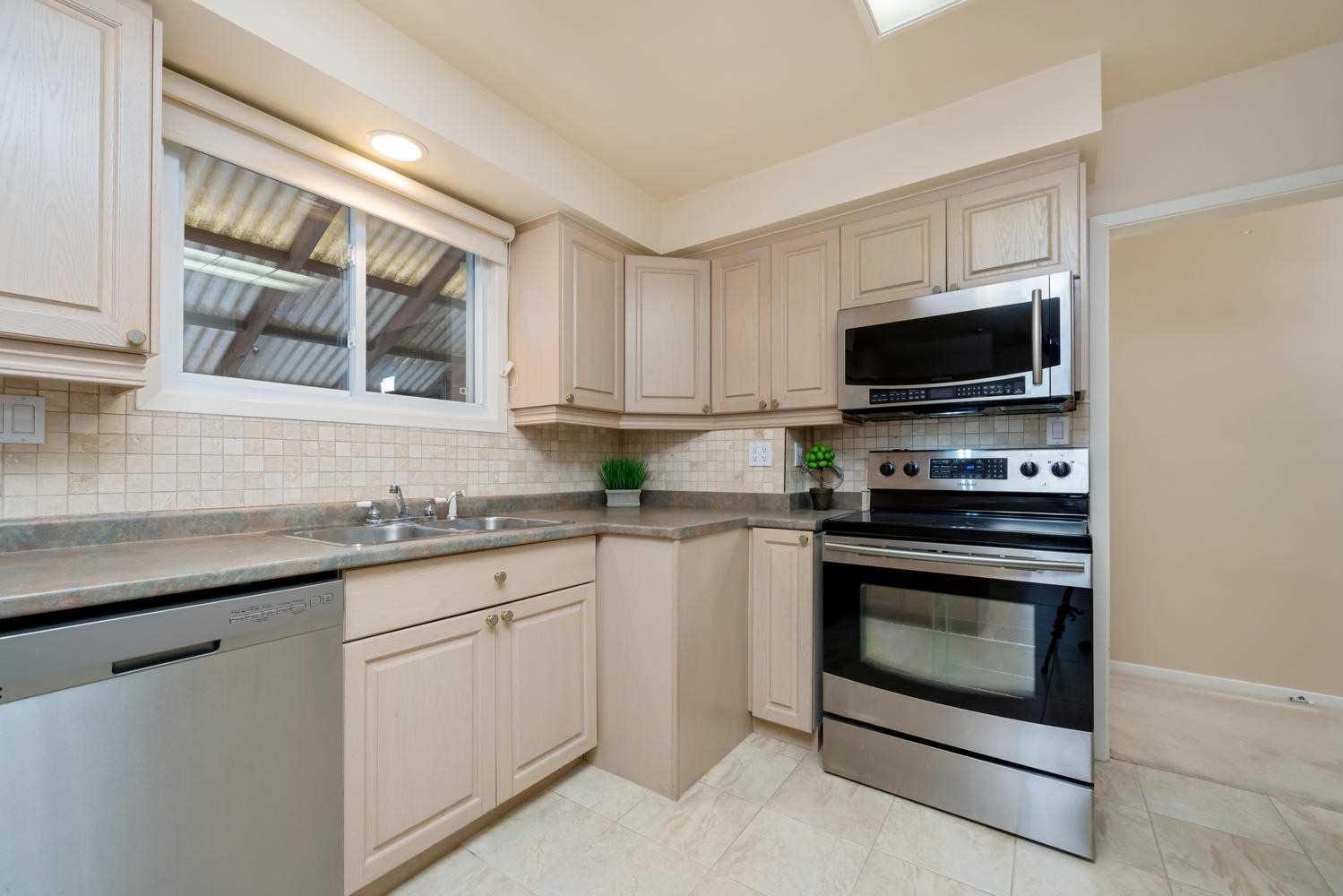 311 Delrex Blvd, Halton Hills W4632051