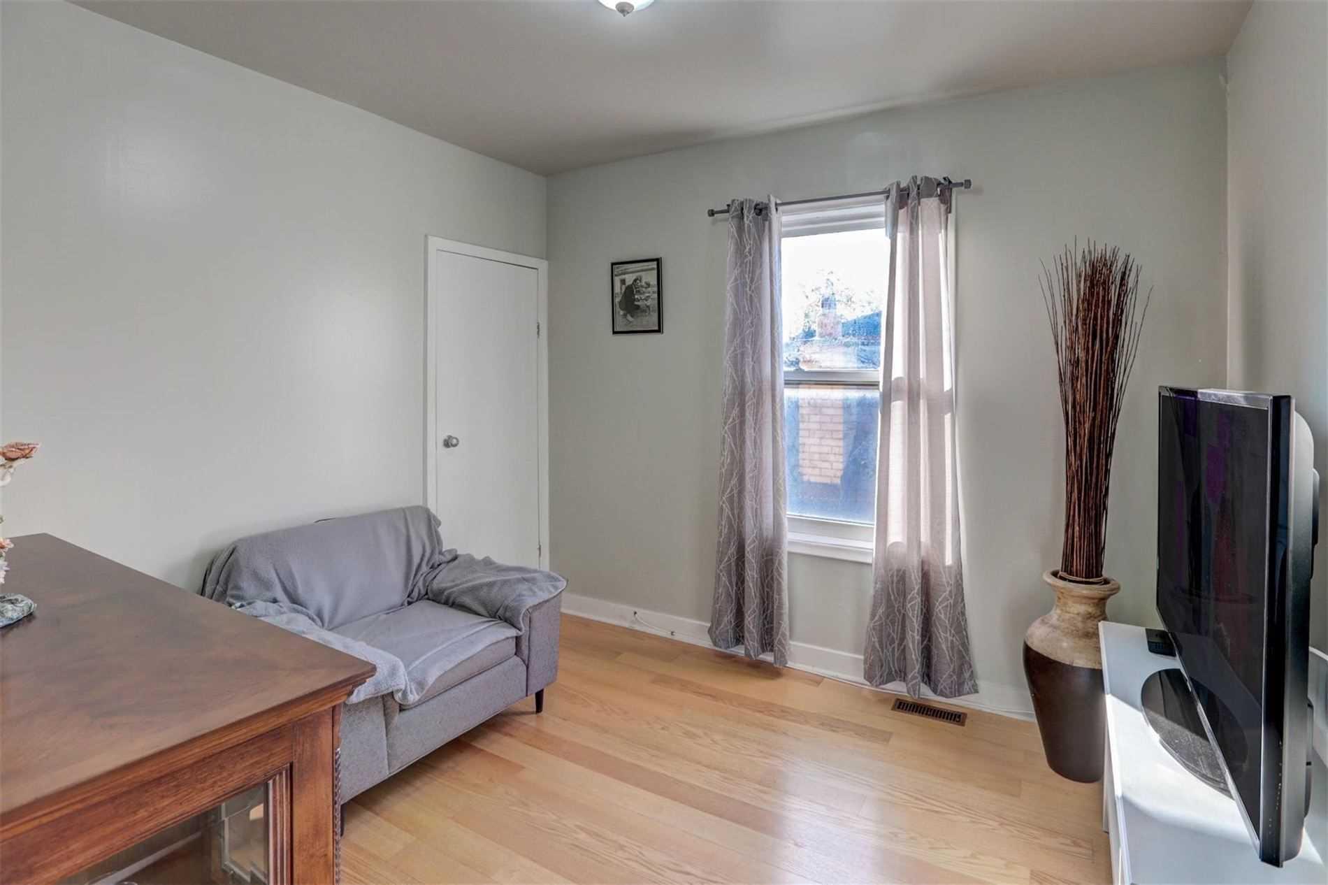 550 Harvie Ave, Toronto W4634004