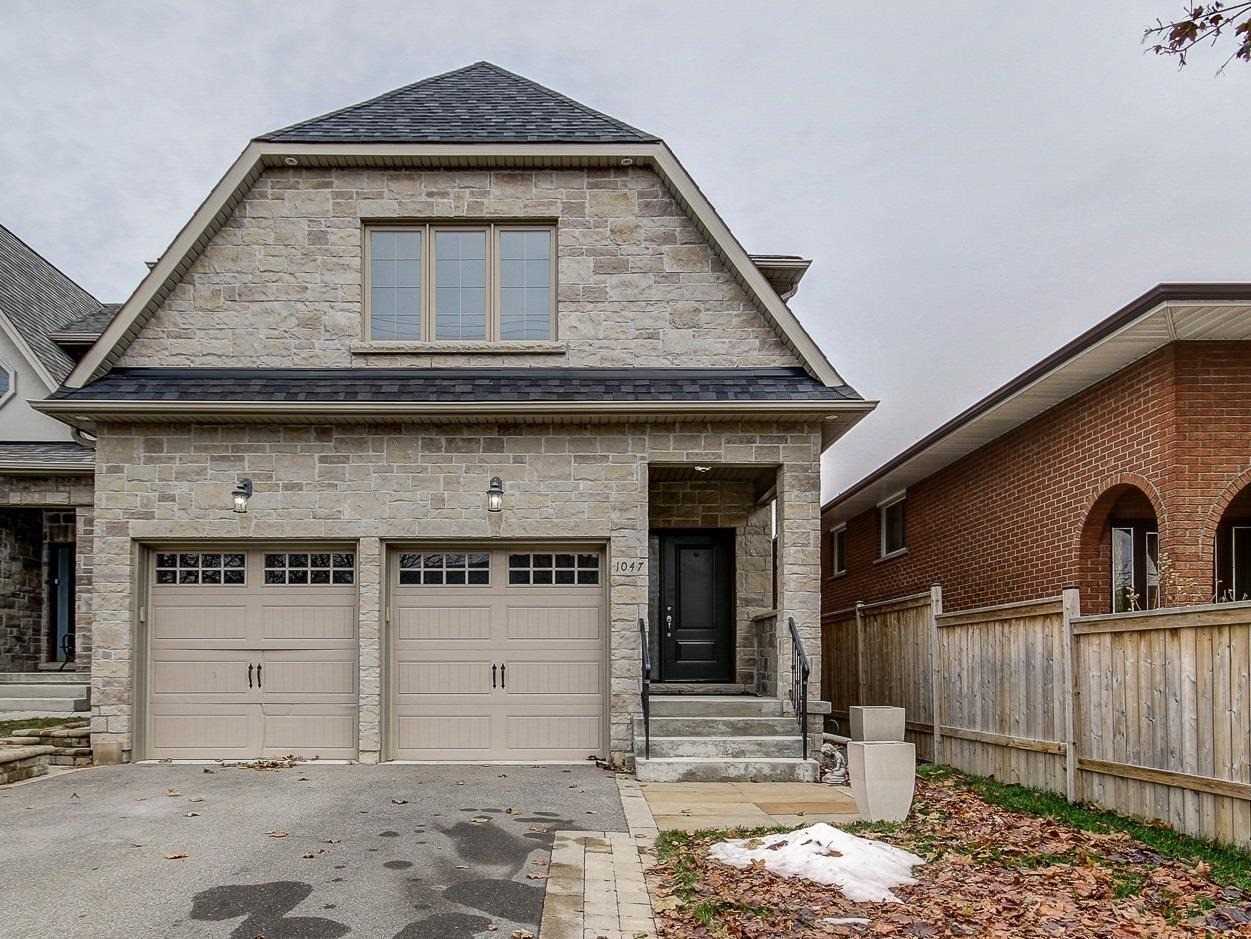 1047 Greaves Ave, Mississauga W4643131