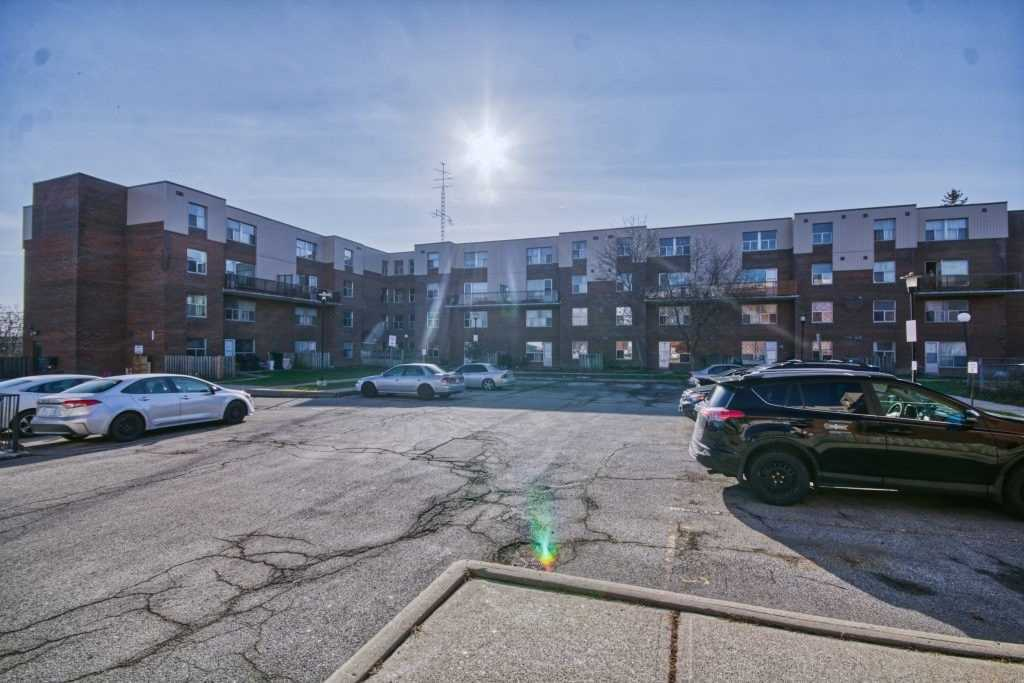 #207 - 1055A Forestwood Rd, Mississauga W4643844