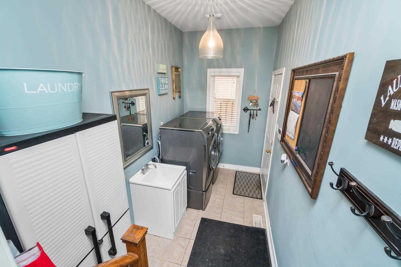 410 Barber Dr, Halton Hills W4644863