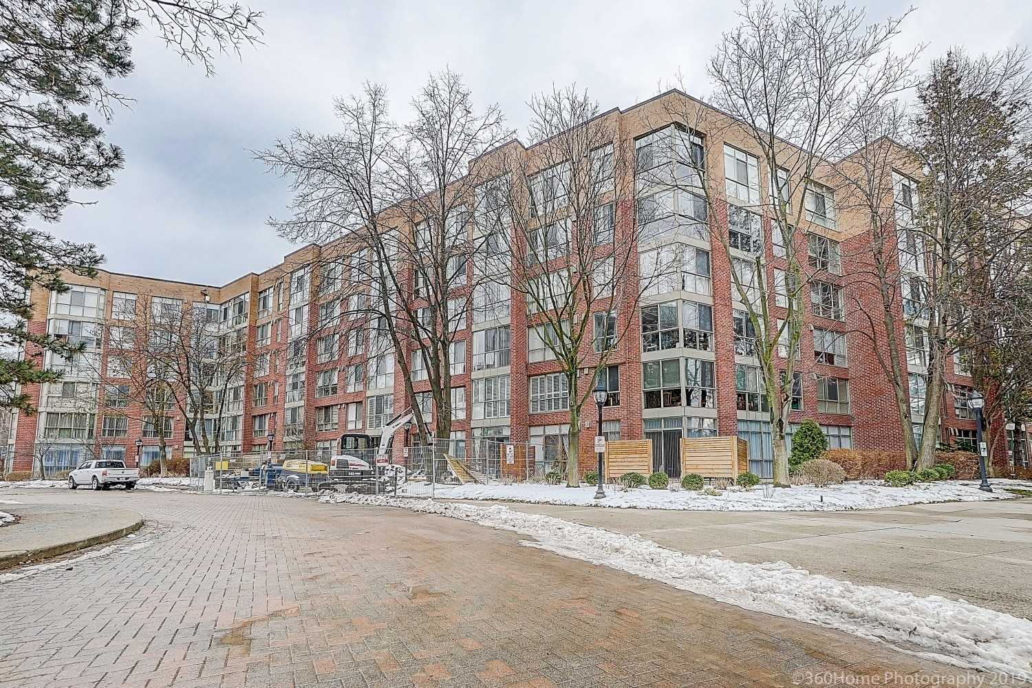 413 - 20 Southport St, Toronto, M6S4Y8