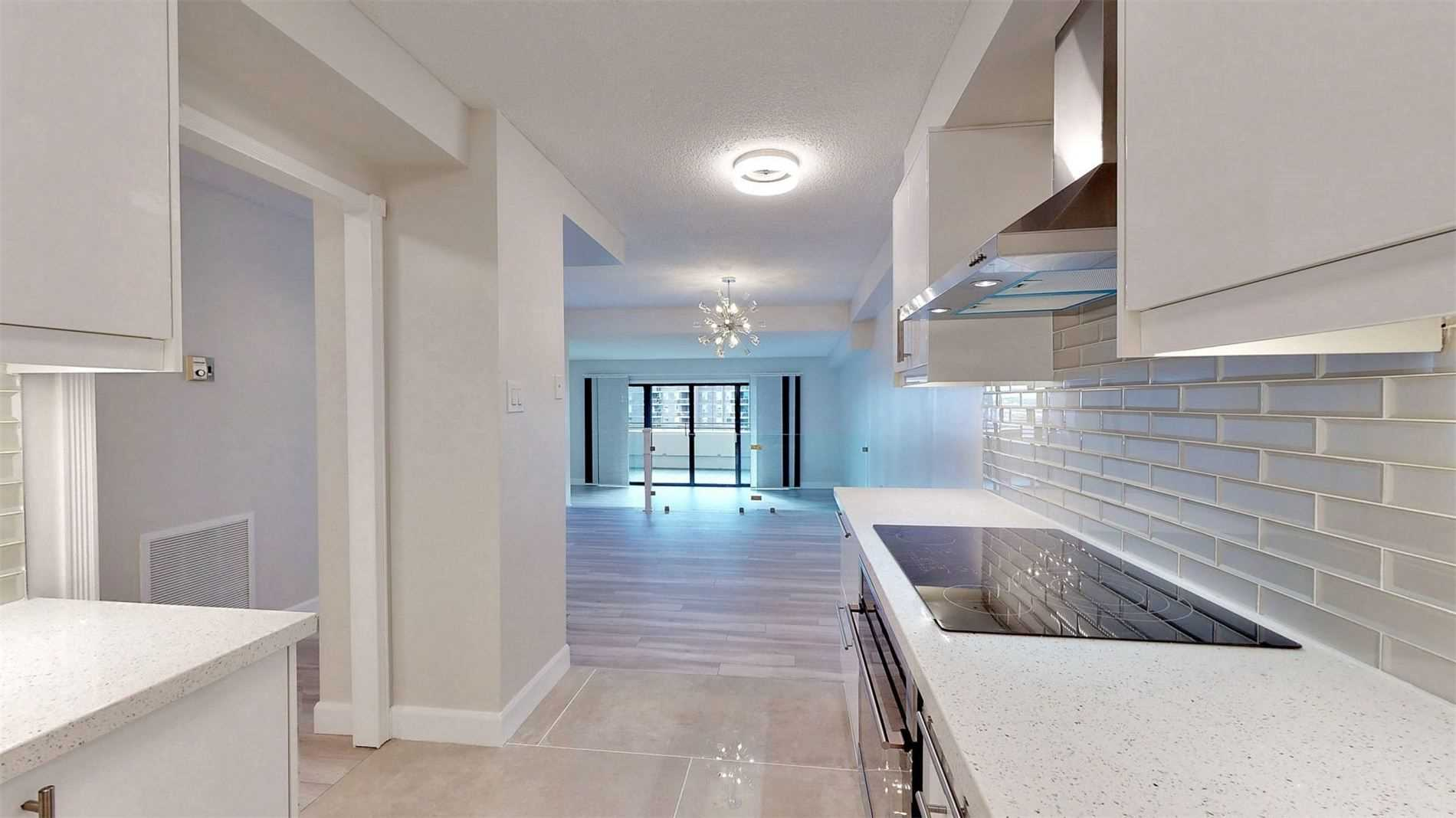 #908 - 965 Inverhouse Dr, Mississauga W4649866