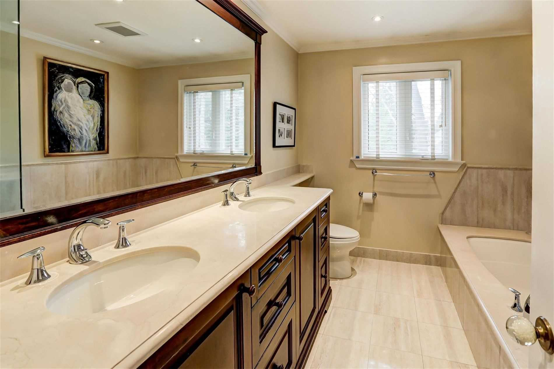 1540 Point-O-Woods Rd, Mississauga W4663863