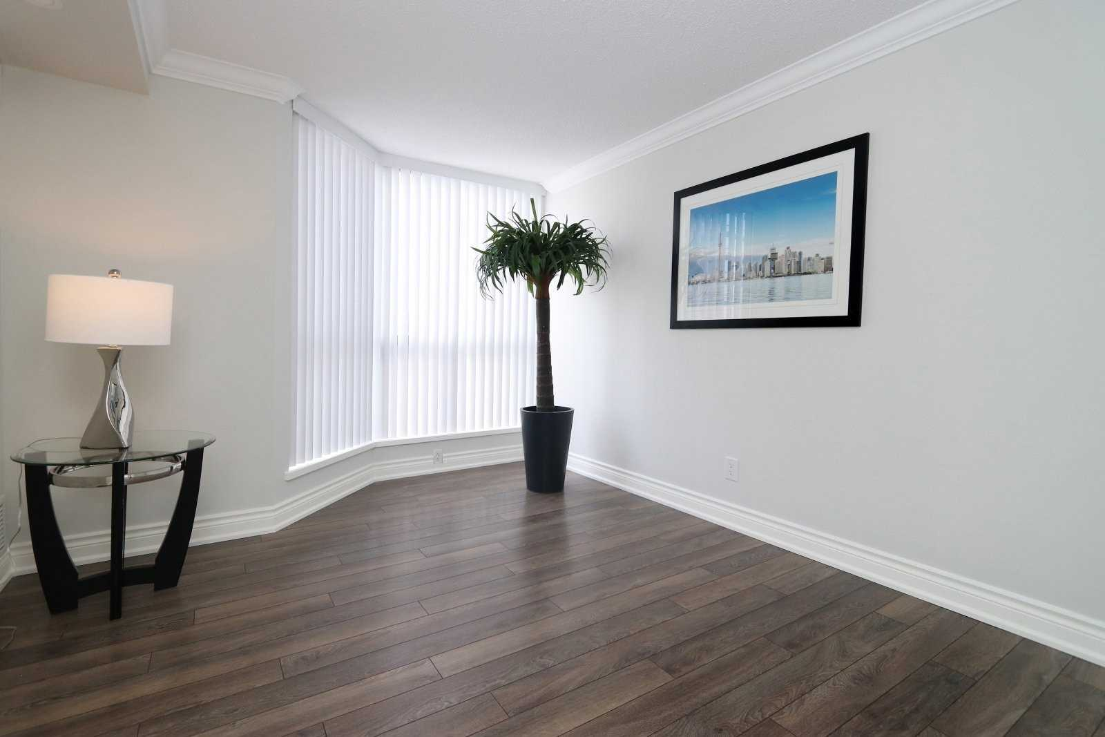 #601 - 1155 Bough Beeches Blvd, Mississauga W4665779