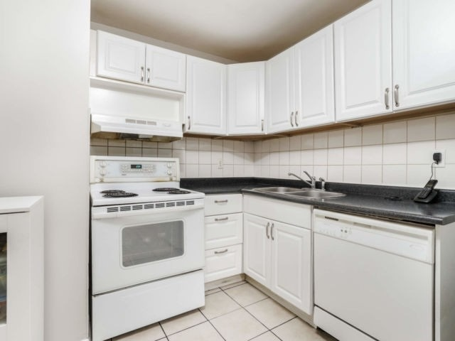 #207 - 2323 Confederation Pkwy, Mississauga W4666050