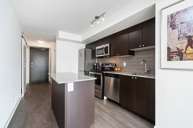 #310 - 11 Superior Ave, Toronto W4672600