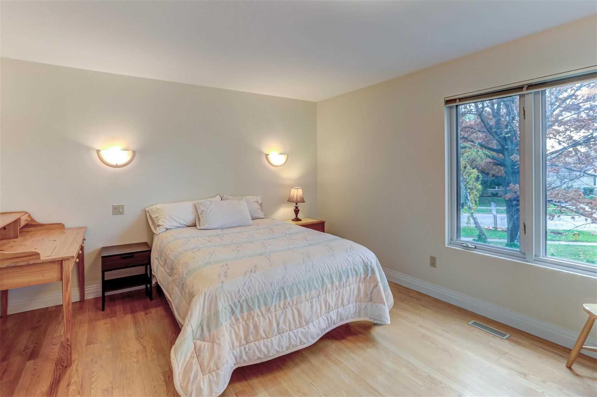112 Rathburn Rd, Toronto W4681817