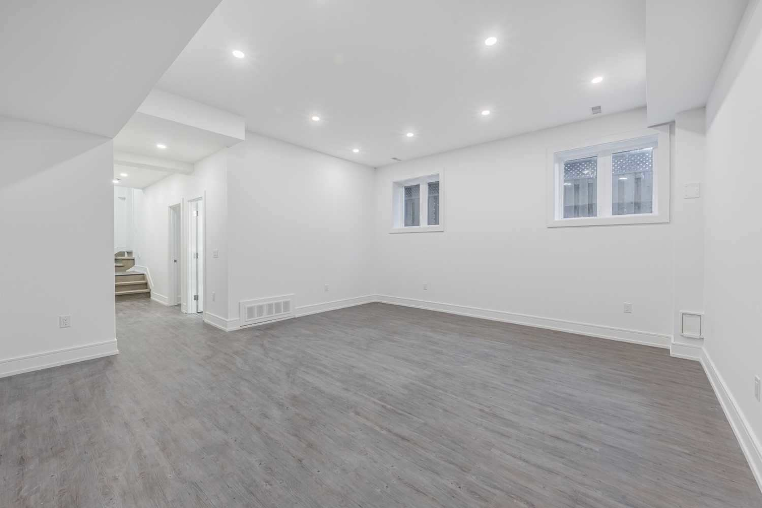 1063 Shaw Dr, Mississauga W4684034