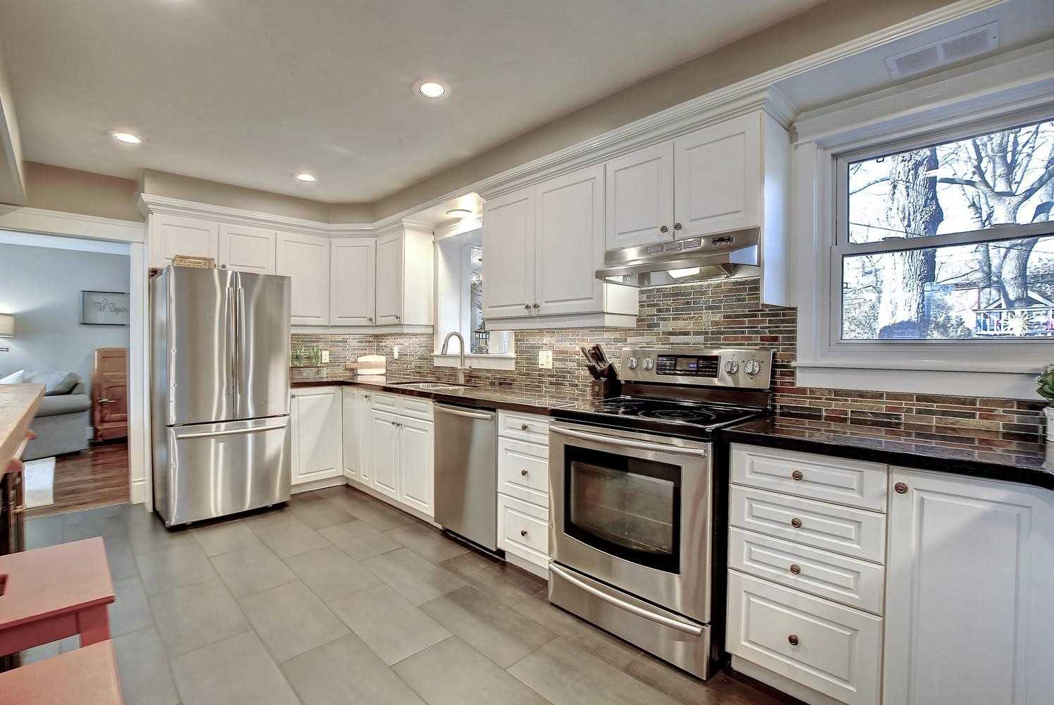 1077 Henley Rd, Mississauga W4685772