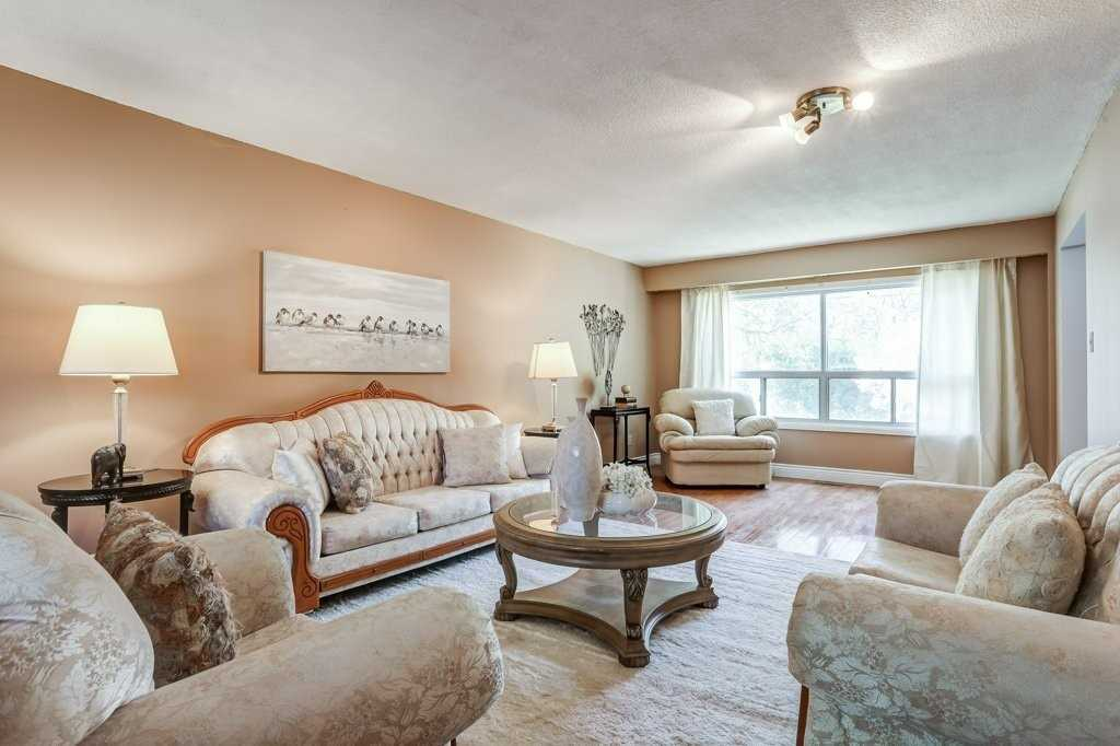 2399 Rosemary Dr, Mississauga W4689850