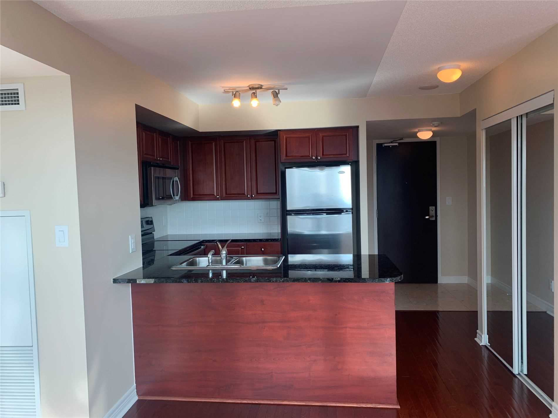 #2906 - 208 Enfield Pl, Mississauga W4690097