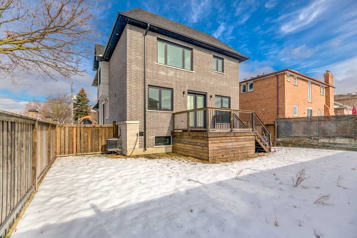 53 Omagh Ave, Toronto W4690338