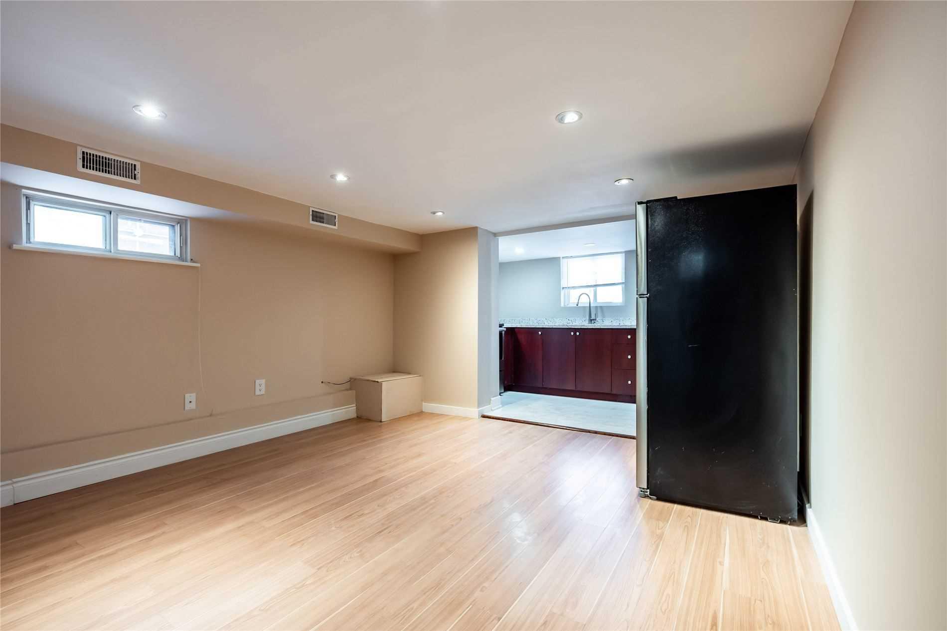 396 Nairn Ave, Toronto W4691495