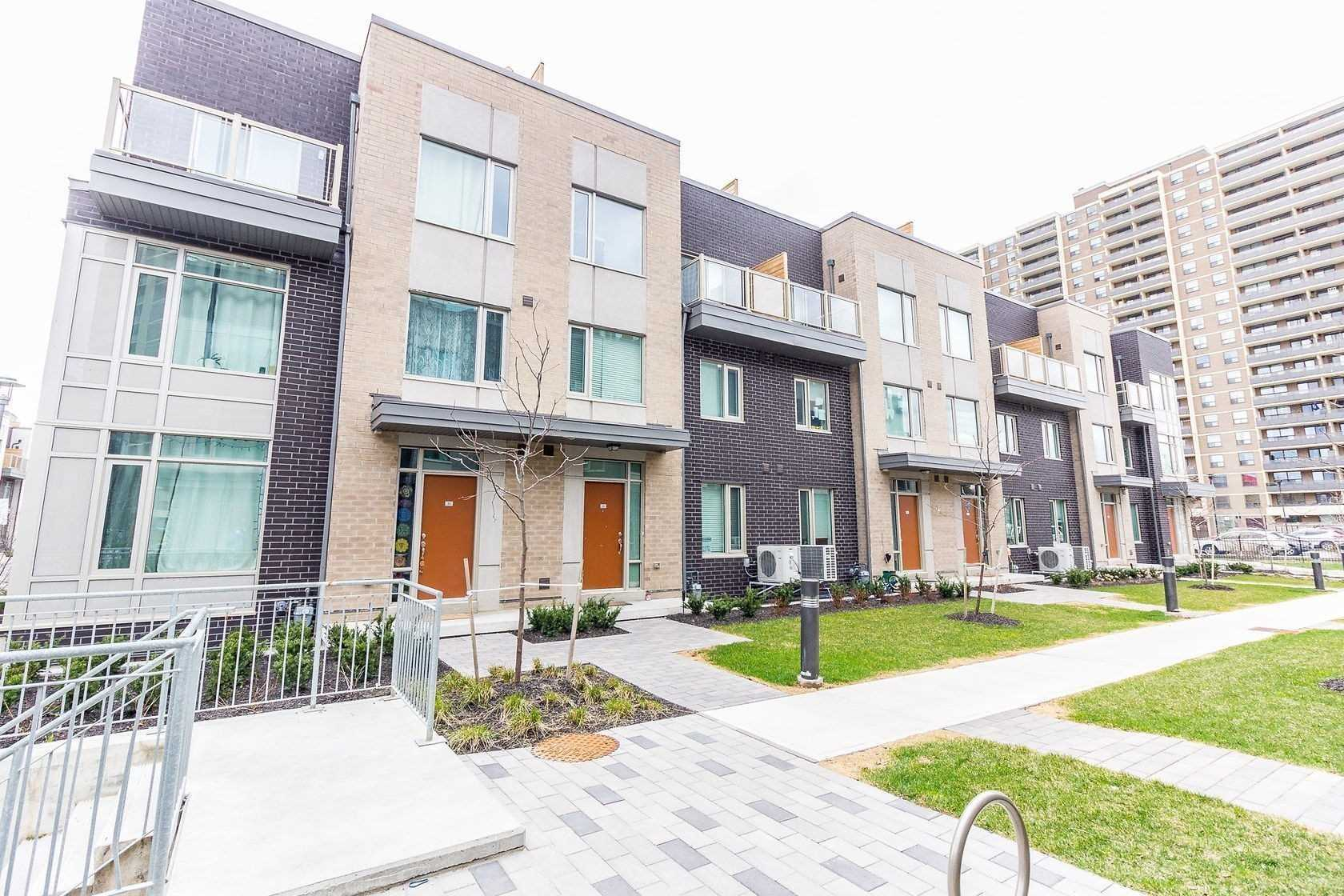 33 - 22 Applewood Lane, Toronto, L9C0C1