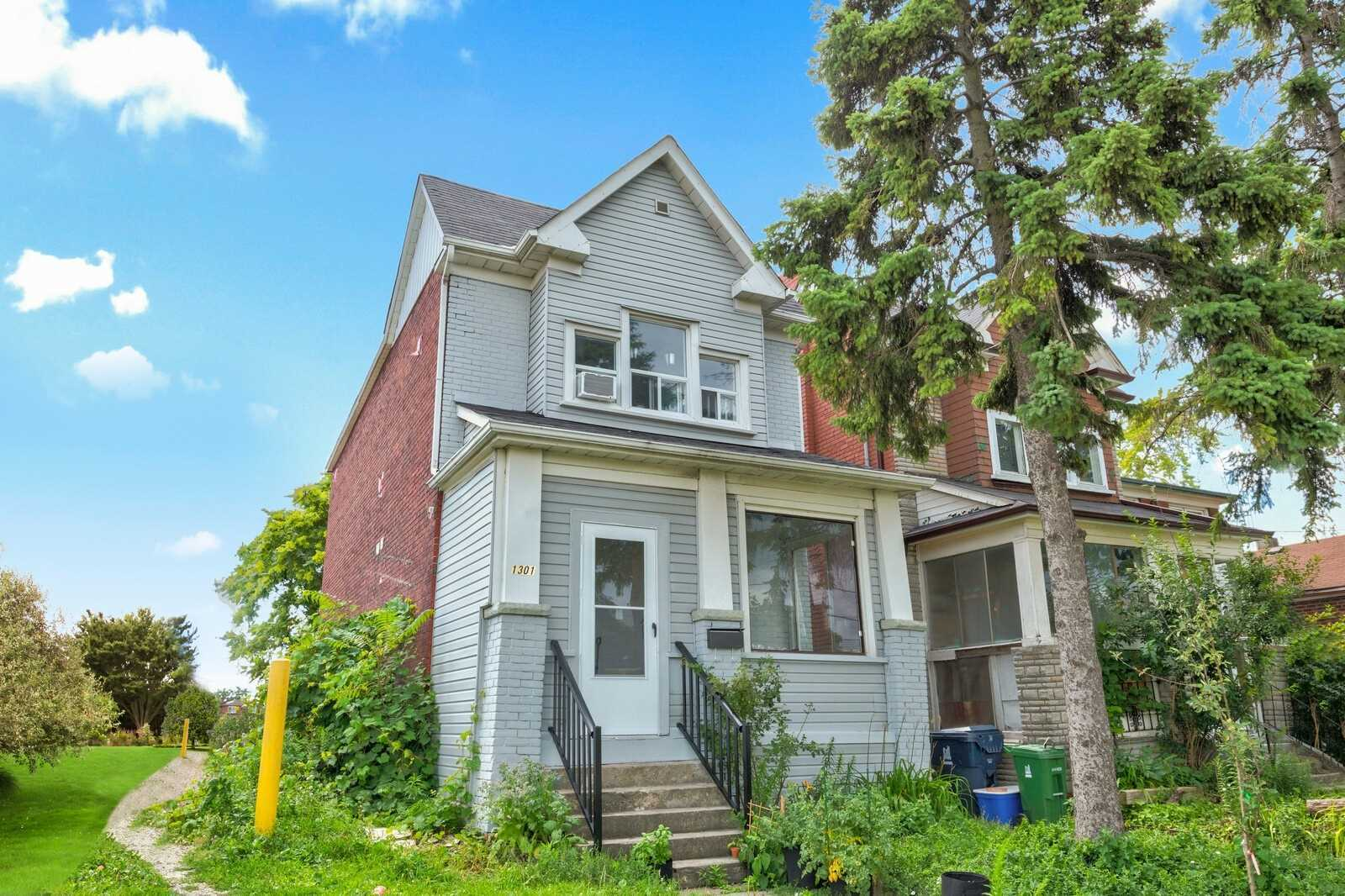 1301 Dupont St, Toronto, M6H2A5