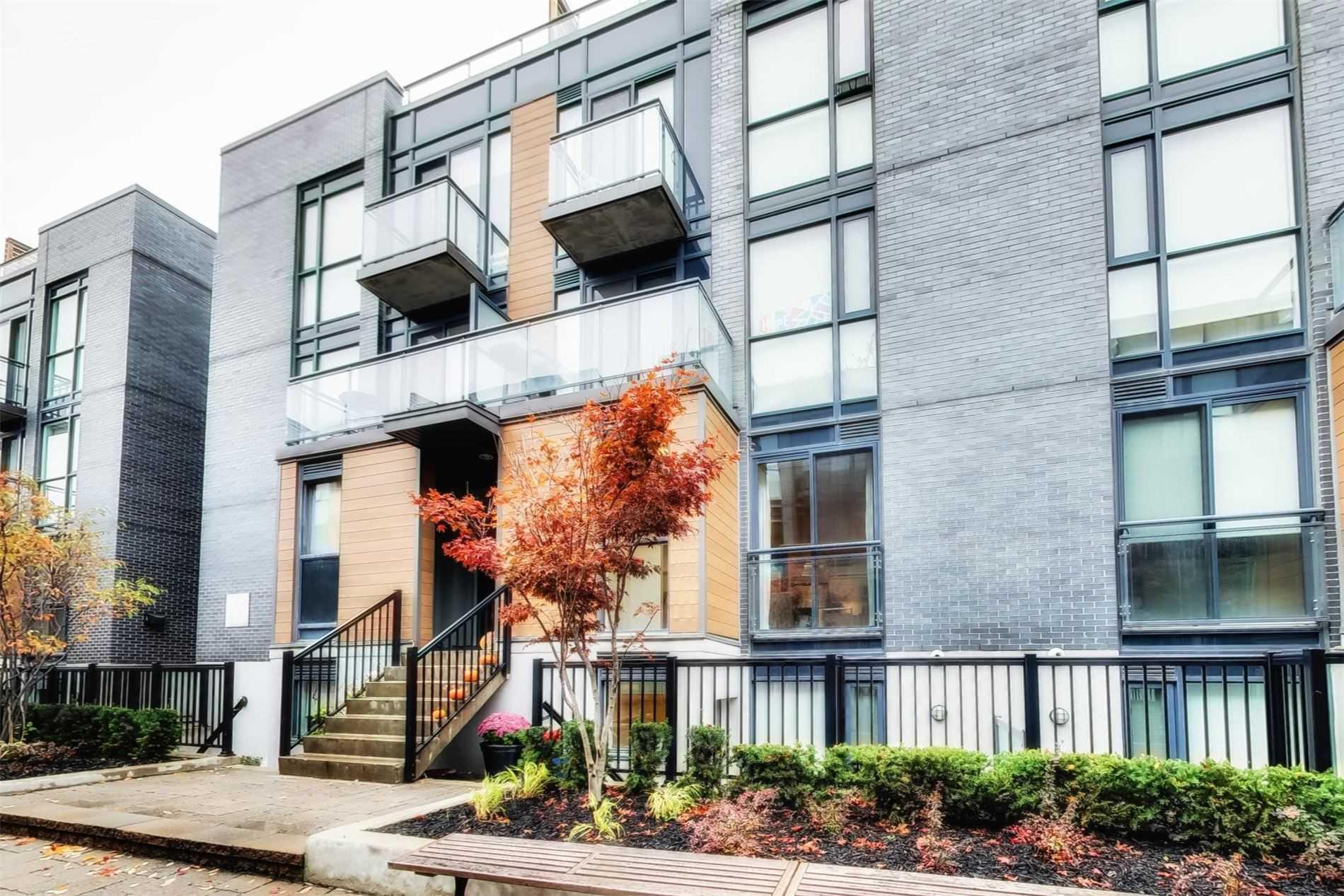 702 - 5 Sousa Mendes St, Toronto, M6P0A8