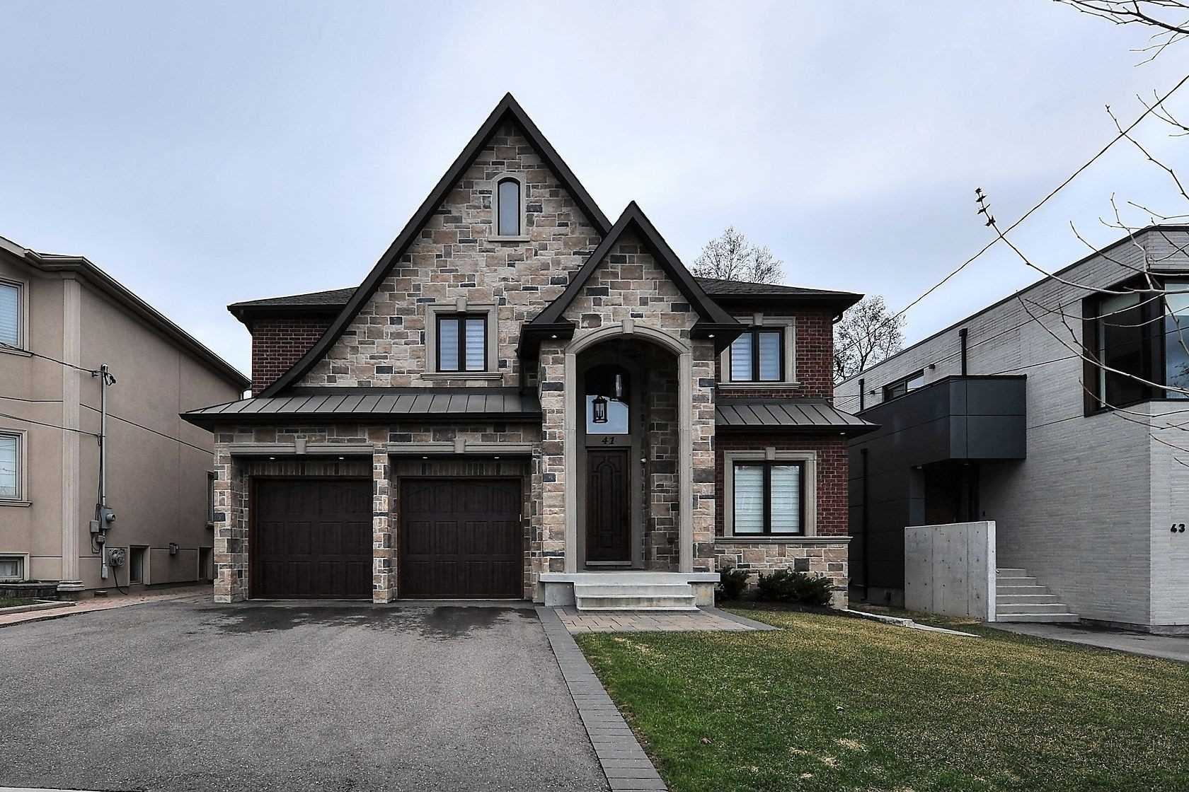 41 Grovedale Ave, Toronto, M6L1Y5